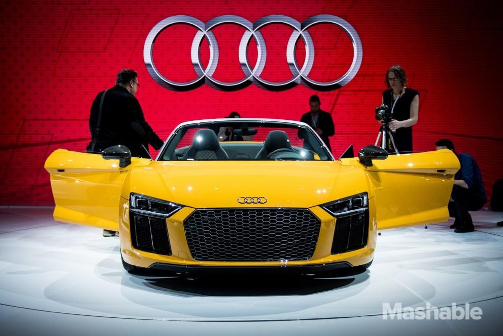 New York Auto Show 2016 Audi R8 Spyder
