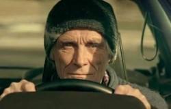 BMW rinde homenaje a los adictos de los autos