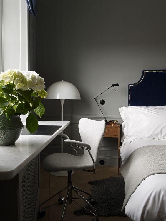 mesa decoracion dormitorio