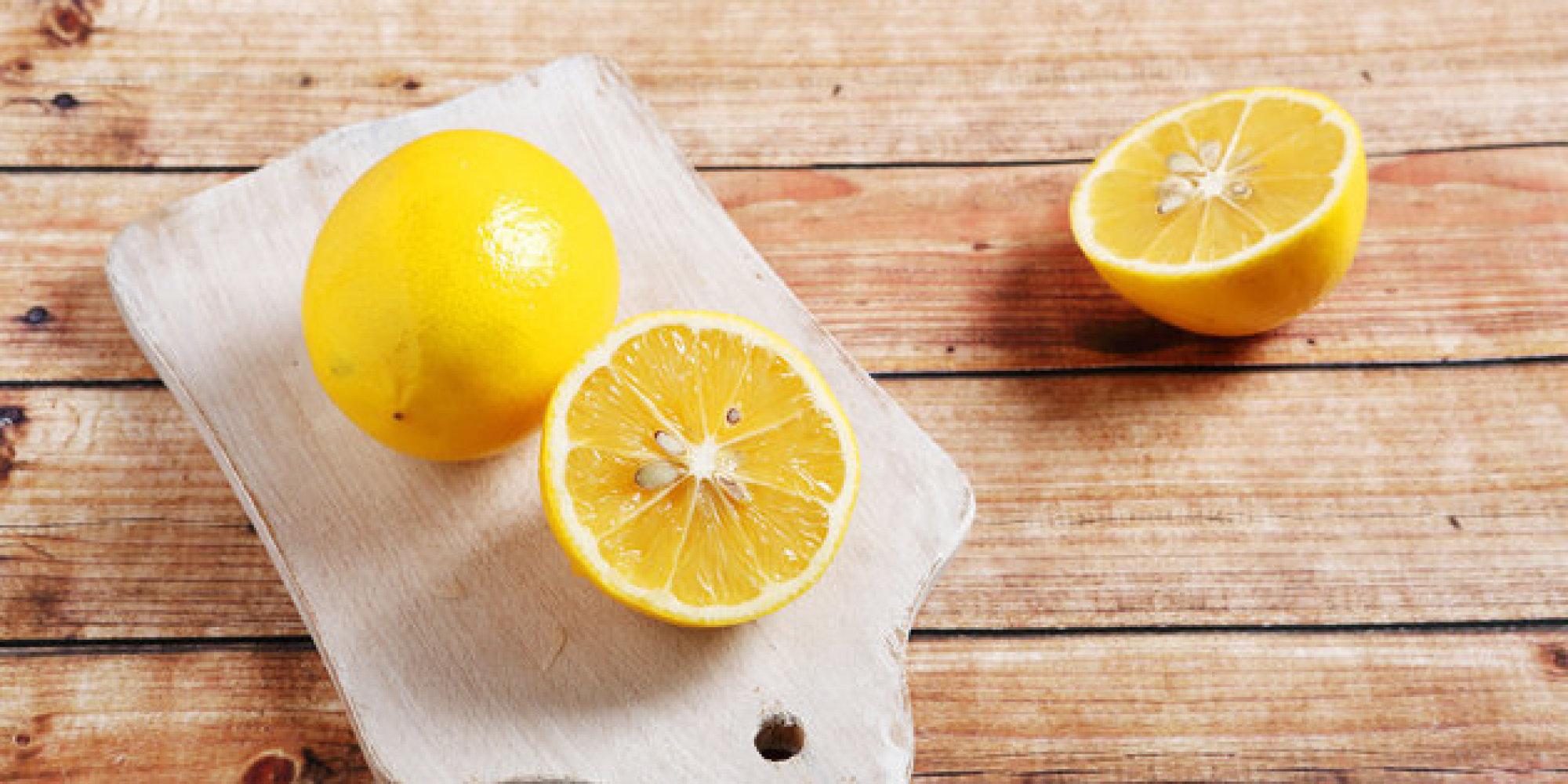 Limpia la casa con productos econ micos blog de bienes - Limpiar horno con limon ...